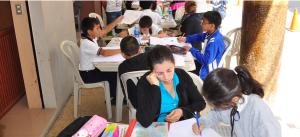 Image credit: Participación de estudiantes de las escuelas del cantón en Dibujo y Pintura / MunicipioPinas / CC BY-SA 2.0 (with modifications).