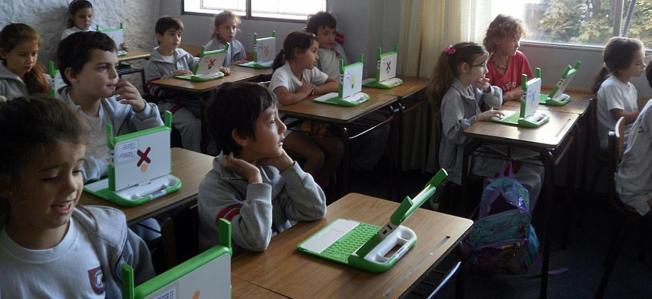 Plan Ceibal en Primaria. Colegio Jean Piaget. CC BY-NC 2.0 (with modifications).